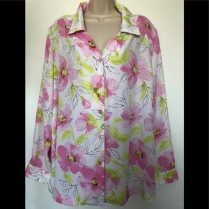 Maggie Sweet  Tunic Top  Button Up floral